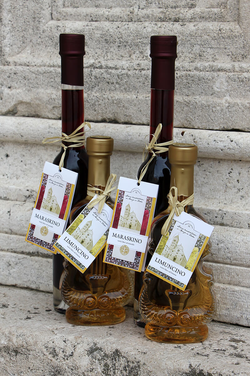 Fruit liqueur